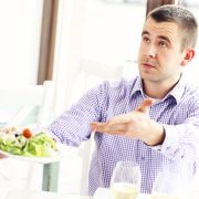 How to Read Your Guests and Interact With Them